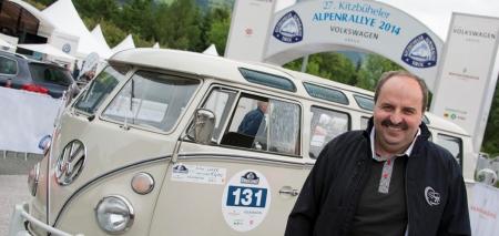 Premiere im eigenen Bulli: Johann Lafer startet bei Kitzbüheler Alpenrallye.