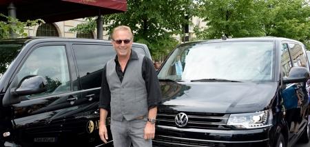 Highline & Hollywood: Kevin Costner im Multivan.