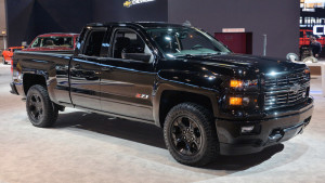 Chevy Silverado Midnight Edition, Custom ready to stand out in pickup line