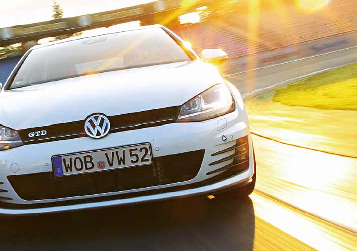 Σύγκριση: Opel Astra 2.0 CDTi Biturbo vs  VW Golf GTD