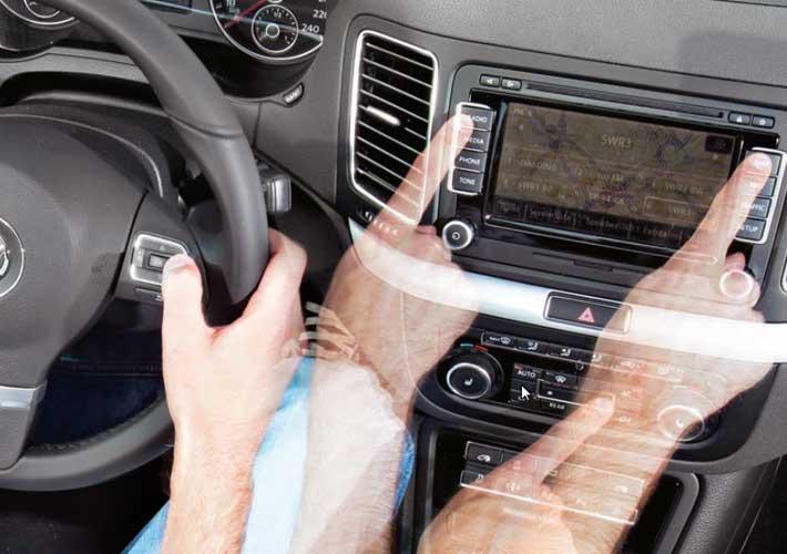 Σύγκριση χρηστικότητας: A4, BMW3, Mondeo, CT200h, C-Class, Insignia, Laguna, Sharan