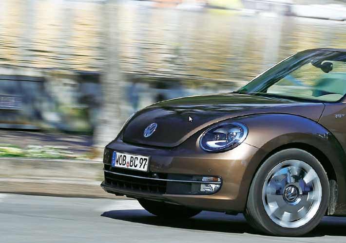 VW Beetle Cabriolet – Στην αναζήτηση του ήλιου