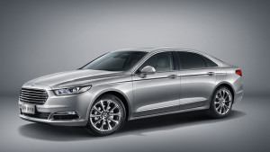 New upscale Ford Taurus revealed in Shanghai