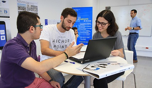 Thirty future engineers from the UPC's Terrassa School of Engineering are developing innovative ideas for the Volkswagen Group and SEAT