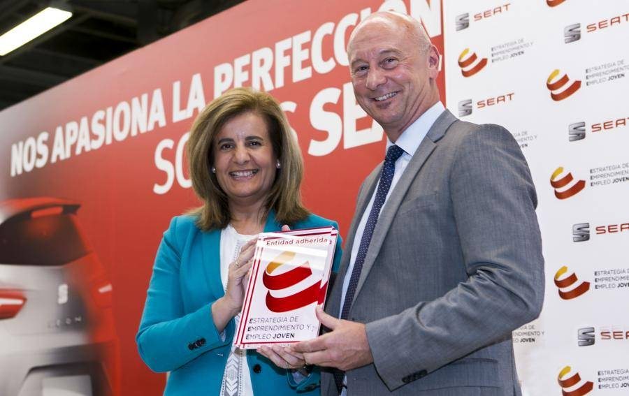 Spanish Minister for Employment Fátima Báñez praises SEAT for easing youth access to job market