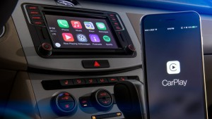 VW couldn't show off wireless Apple CarPlay at CES