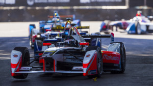 Formula E snaps a photo finish in 2016 Buenos Aires ePrix [w/videos]